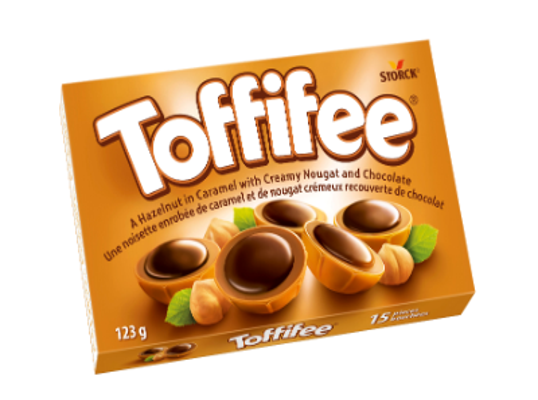 Toffifee 15 pieces - Une noisette enrobée de caramel et de nougat crémeux recouverte de chocolat.
